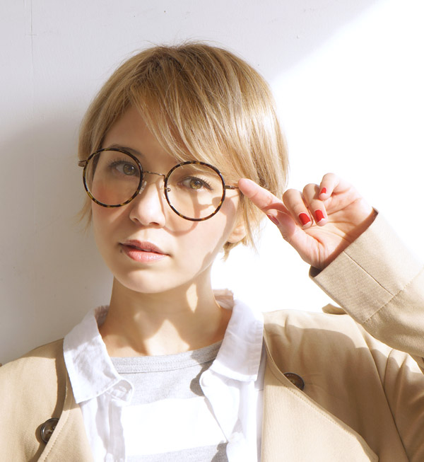 6201ea133ef9 e-zakkamania stores  Dandy glasses   fashion girl required item Megane Date.  I hit it