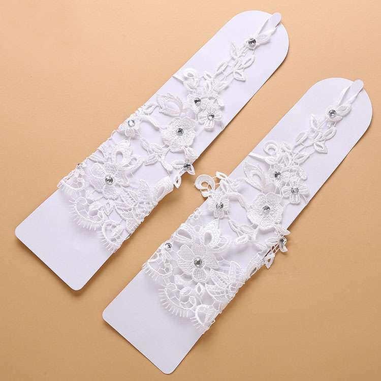 8690493f6bc66 ウェディンググローブ 総レース ビジュー飾り フィンガーレス グローブ 手袋 ブライダル 刺繍 ウェディング小物 ウェディングドレス