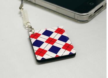 これ一つでお財布要らず!iPhoneや、携帯に付けると、お財布から小銭を出さずに、スピーディに買い物できる!