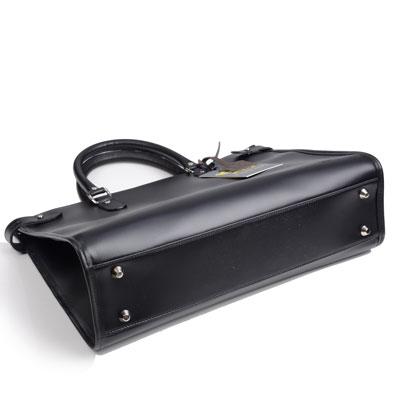 タステング キンボルトントートバッグの底