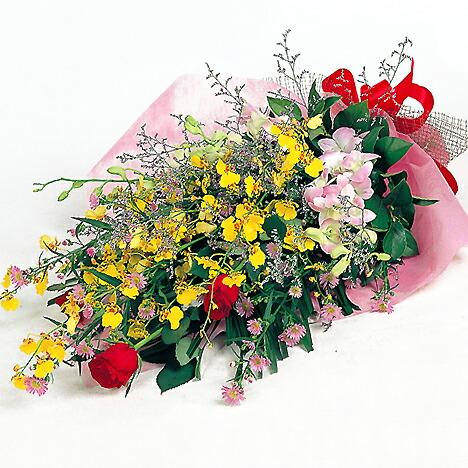 華やかなランとバラの花束