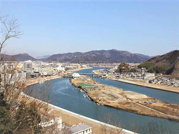 現在の石巻市 ~日和山から見下ろした中瀬・内海橋・石ノ森萬画館~