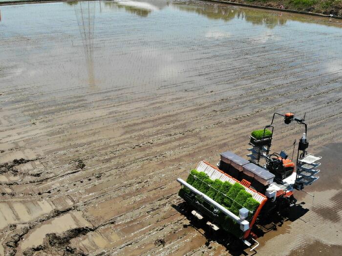 スマート農業により無人で動く田植え機
