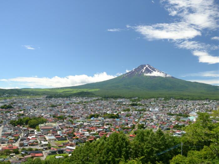 新倉山浅間公園の展望デッキを増設し、多くの皆さんに日本唯一の眺望を楽しんでもらいたい!
