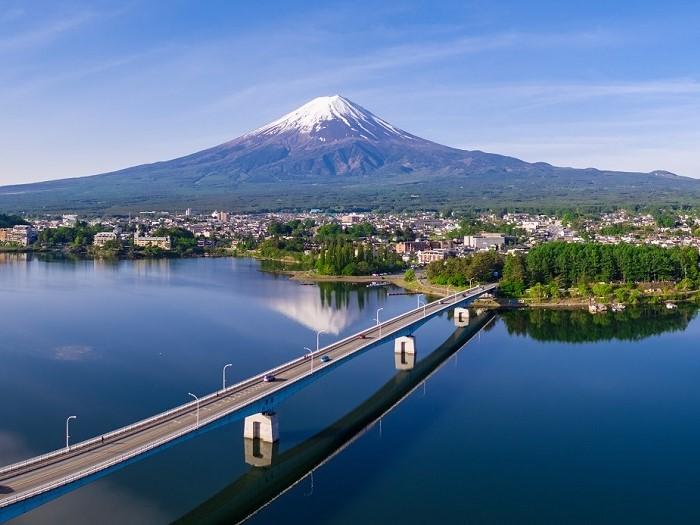 富士山の麓にひろがる富士河口湖町