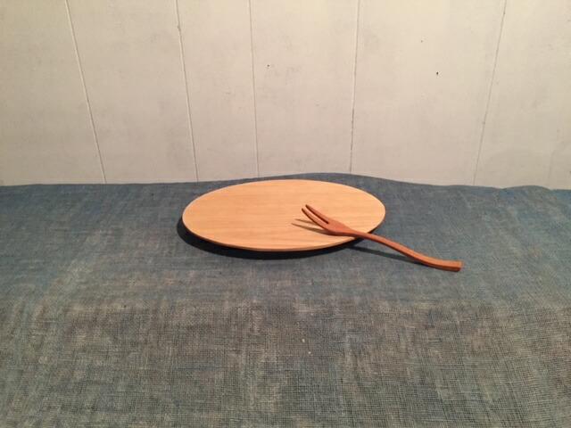 三重県多気町 【ふるさと納税】栗のオーバルプレート皿と桜のフォークのセット kk-04