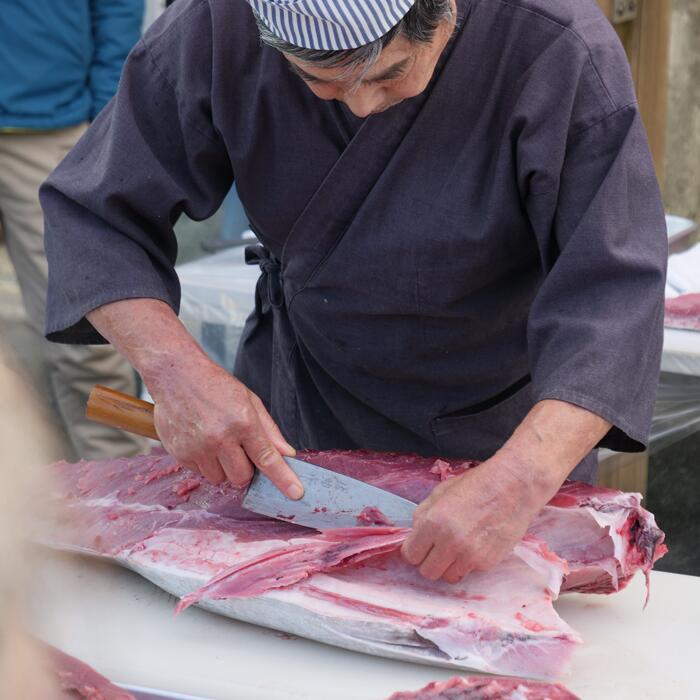 高知県大月町 【ふるさと納税】本マグロ(50kg以上)1本(解体人付き)