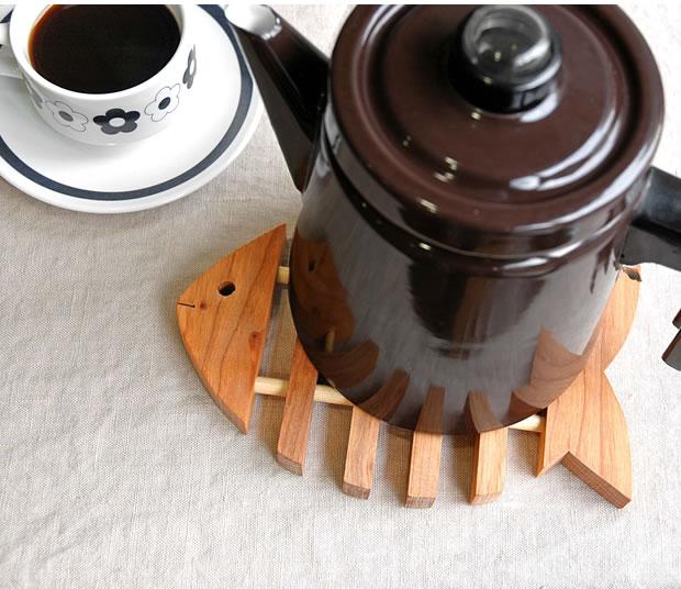 木製トリベット フィッシュ 鍋敷き スカンジナビアン ヘムスロイド