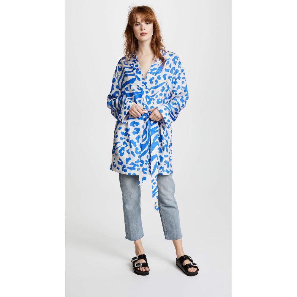 da6be8791577 アクネジーンズとしてのコレクションをスタートして以後、レディース、メンズ共に、デニムを中心としたアパレル製品全般、シューズ、下着などのコレクションを発表し  ...