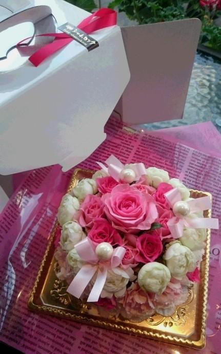 新宿四谷 花屋シャムロック フラワーケーキ 市場