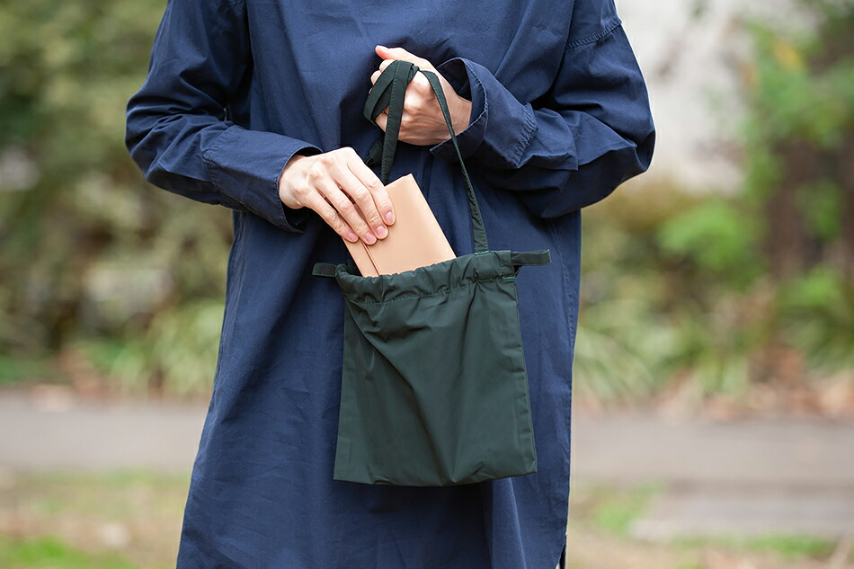 ドローストリング バッグ(フォームユニフォーム/formuniform)Drawstring Bag With Strap,鞄,かばん,ショルダー,リュック,アウトドア,巾着,ばっぐ,ふぉーむゆにふぉーむ,ユニフォーム,リトアニア