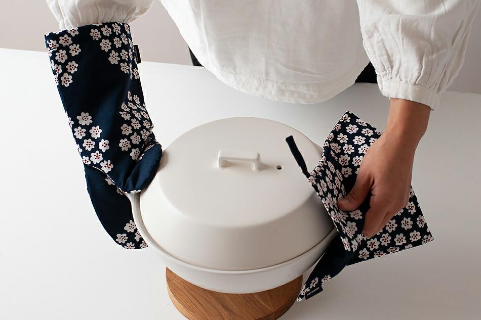 ポットホルダー(マリメッコ) Pot Holder(marimekko)プケッティ/Puketti,ダークブルー×レッド×ホワイト, ネイビー,