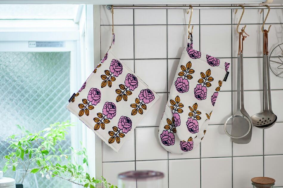 マリメッコ ポットホルダー marimekko oven Mitten ヴィヒキルース/Vihkiruusu(ウェディング・ローズ/結婚式のバラ)
