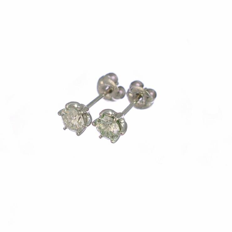 プラチナ900ダイヤモンドピアス