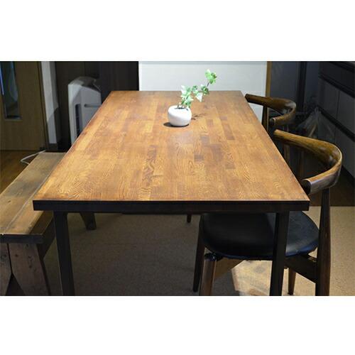 ナラ集成材のダイニングテーブルの天板