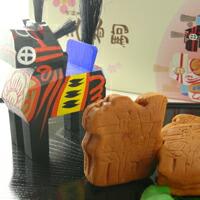 かんのやオリジナル和菓子、人形焼のような『三春駒』