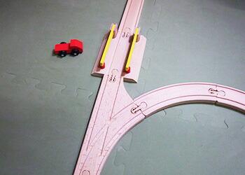 踏切とトラックの一般的な使い方