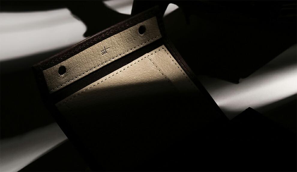 m+の大人気コンパクト財布が当店限定レザーで登場