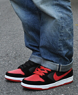 4f09b6c2137b54 gettry  NIKE DUNK LOW PRO SB   J-PACK   BLACK   UNIVERSITY RED ...