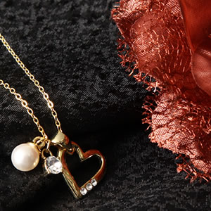18Kコーティング3チャームネックレスオープンハート&パール&Czダイヤモンドジュエリー|プレゼント|ギフト|Diamond necklace【宅配便】