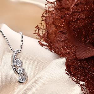 Czダイヤモンドジュエリー3石ネックレス「ファンタジー」|プレゼント|ギフト|Diamond necklace【宅配便】