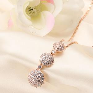 ピンクゴールドトリロジーパヴェペンダント|プレゼント|ギフト|necklace【宅配便】