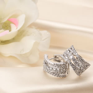Czダイヤモンドジュエリーエレガントライン フープピアス|プレゼント|ギフト|Diamond pierce【宅配便】