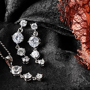 Czダイヤモンドジュエリーセット『トリロジー』|プレゼント|ギフト【宅配便】