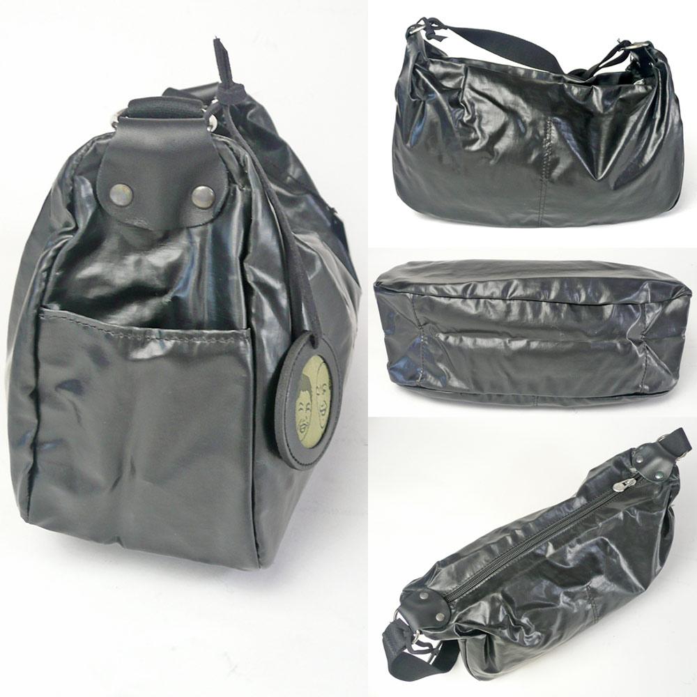 6c7e195a9ddd 洗練されたデザインでありながら、遊び心をも忘れていない、なおかつ実用性も考慮されている秀逸なバッグたちです。フェミニンすぎないのも人気の理由。