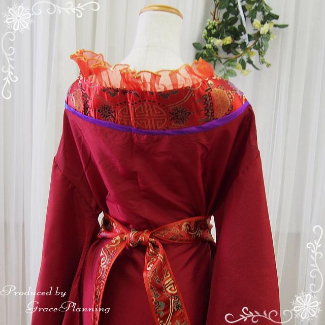51aa26f5f564b ドレスと帯の2点セットです。 着物のように前を合わせ帯で結んで着るので幅広いサイズの方にご着用いただけます。