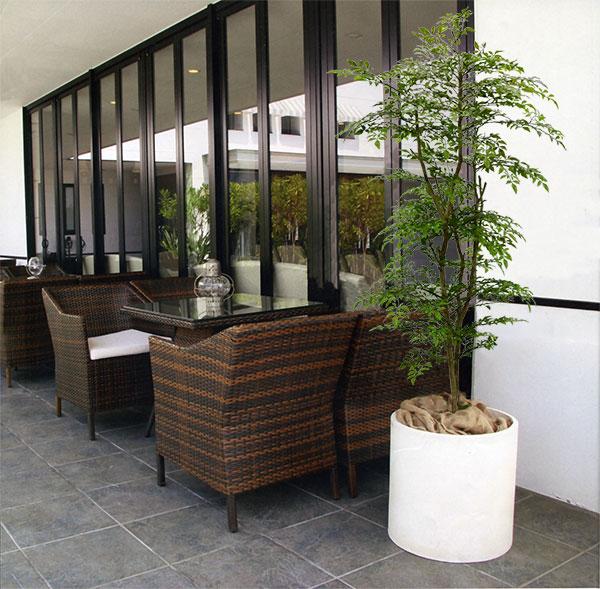 全高180cm程度の人工観葉植物イメージ