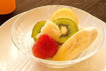 キウイ、いちご、バナナなどのフルーツと一緒に!