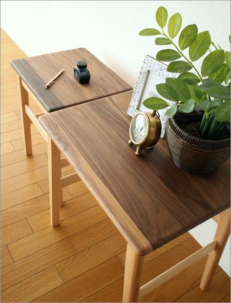 ナチュラルウッドのネストテーブル(1)