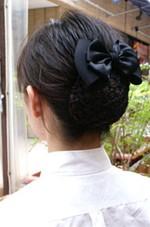 接客業のまとめ髪が簡単にできるお団子ネットつきリボンバレッタ