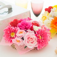 フラワーギフト,誕生日プレゼント,お祝い,フラワーアレンジメント,造花,フラワーケーキ,花ここ