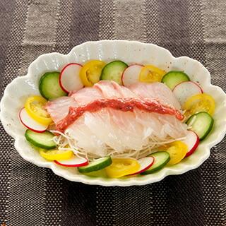 白身魚と梅味噌ソースのサラダ