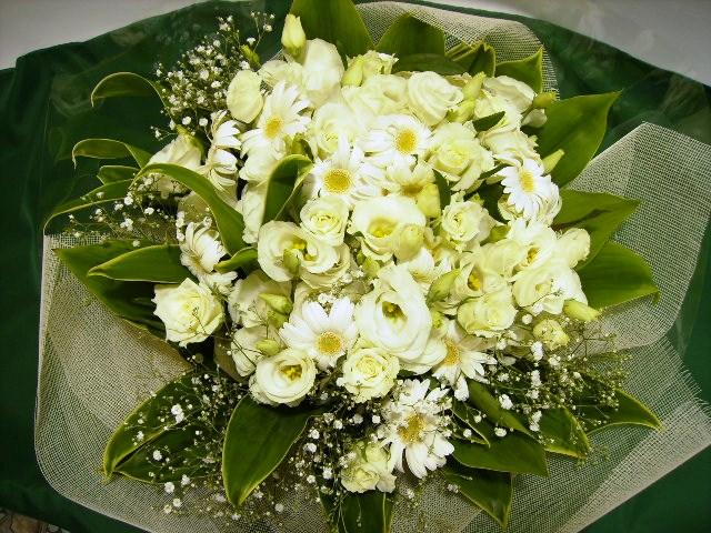 白いお花のみのブーケ