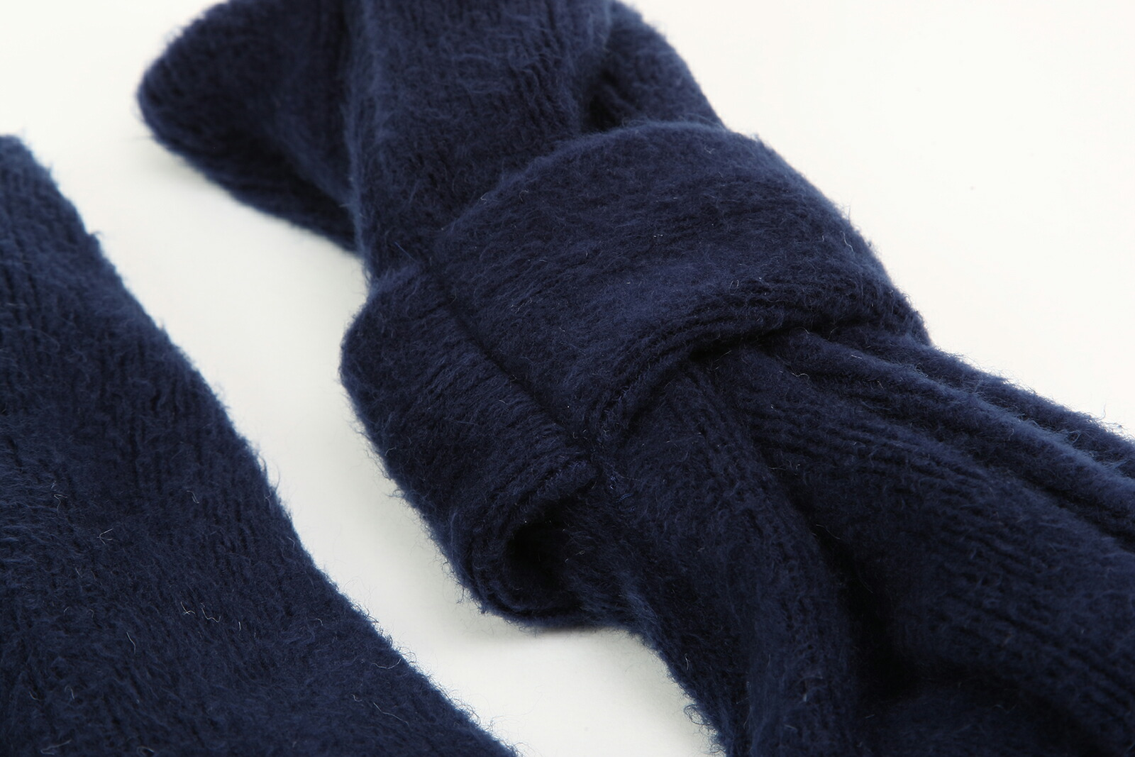 ●紺色無地安全ループインマフラー 通園通学用 肌触りが優しいラッセルミンク起毛 100/110/120/130センチ●●