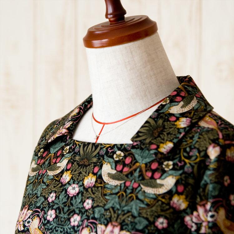 moda Japan ウィリアム・モリス ストロベリー・シーフ 仕立て スクエアネックカラー ワンピース