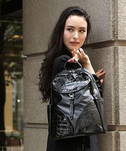 30代の女性にオススメのクーガのレディースバッグ