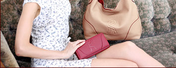 ロベルタディカメリーノのバッグLene(レーネ)とおそろいの財布