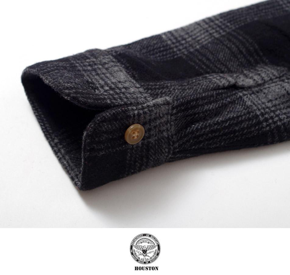 保温性に優れたウール生地のチェックシャツ