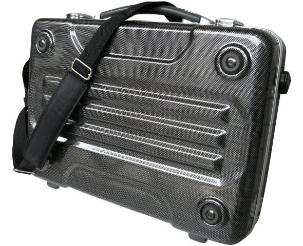 ブロンコ(G-BRONCO)122006 アタッシュケース ショルダーバッグとしてもご使用いただけます。(※写真は122007のB4対応サイズのカーボンプリントです。)
