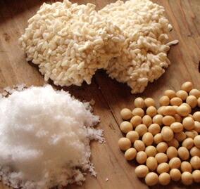有機JAS認定米・100%国産大豆・伊豆大島の自然海塩など、体に安心な原料を用います