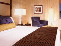 キングサイズやクイーンサイズ、キングサイズのベッド カリフォルニアキングサイズ クイーンサイズやキングサイズのホテルのベッド 別注 特注
