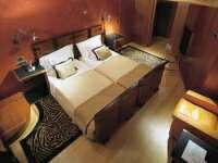 キングサイズやクイーンサイズ、キングサイズのベッド カリフォルニアキングサイズ