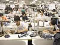 生地関係は、国内の縫製工場でひとつひとつ縫製されます。