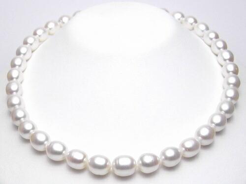 淡水真珠ネックレス(10〜9ミリ)