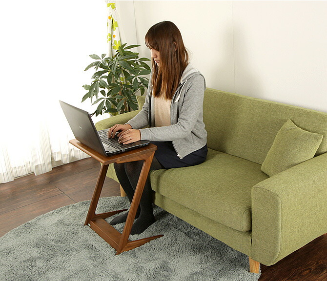 「スマート!サイドテーブル」幅60cmゆったりサイズのチェアは快適な座り心地