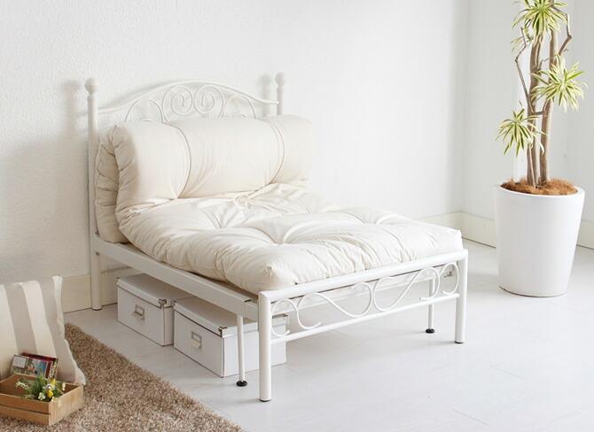ソファもベッドも一台2役の便利で快適な伸張式